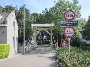 Rotterdam, De Berg- en Broekse (ophaal)brug tussen de Rechter Linker Rottekade en het Prinsenmolenpark (foto: René Hoeflaak)