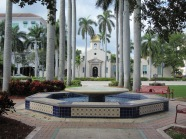 9 januari 2012: USA, Florida, Boca Raton; Mizner Park en Town Hall (foto: René Hoeflaak)