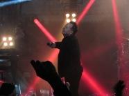Amsterdam, Paradiso, zaterdag; Voorman Jim Kerr van de Simple Minds (foto: René Hoeflaak)