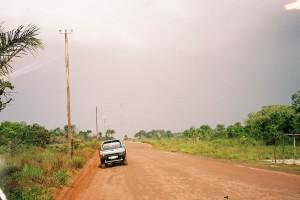 Maart 2006; Suriname; De weg naar Colakreek, 50 kilometer van Paramaribo (foto: René Hoeflaak)