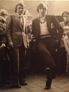 1972: De topscorers van het seizoen 1971-1972 Gerdo Hazelhekke en  Johan Cruijff bij de opening van één van de sportzaken van Gerdo in Ede (foto: archief Gerdo Hazelhekke)