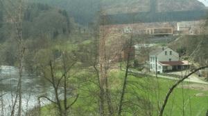 April 2013: Zicht op grensgebied  Luxemburg-België vanuit de trein (foto: René Hoeflaak)