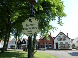 6 juni 2013: Het centrum van Oude-Tonge (foto: René Hoeflaak)