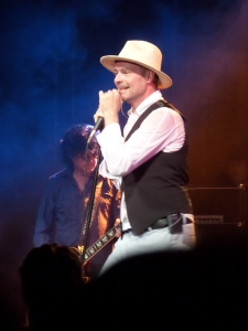 Utrecht, Tivoli: Zanger Gordon Downie van The Tragically Hip (foto: René Hoeflaak)