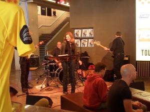 29 juni 2013: Place Pigalle in het Tourcafé van Rotterdam (foto: René Hoeflaak)
