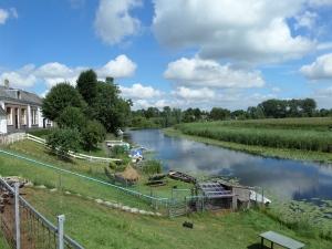 6 augustus 2013: De rivier de Linge langs de Lingedijk bij Acqouy (foto: René Hoeflaak)