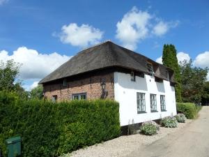 6 augustus 2013, Acqouy. Het ouderlijk huis van Cornelius Jansenius (foto: René Hoeflaak)