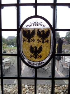 Coevorden, raamgravure Roelof van Echten in  één van de ramen van Kasteel Coevorden (foto: René Hoeflaak)