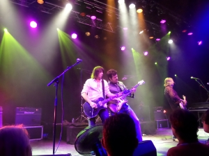Zoetermeer, oktober 2013: Pat Travers Band. Vlnr: Pat Travers, Kirk McKim (guitars, vocals),  Rodney O'Quinn (bass). (foto: René Hoeflaak)