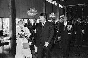 Rotterdam, 14 mei 1980: Burgemeester André van der Louw, Prinses Juliana en Willy Brandt in de Doelen (bron: Ga het na Archief, foto: Koe Suyk, licentiecode: CC-BY-SA 2.24.01.05