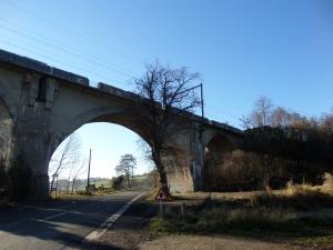Belgie, Berneau, 10 december 2013: Spoorbrug (foto: René Hoeflaak)