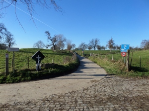 België, 's Gravenmoeren. Kruising enkele honderden meters voor de grens met Nederland (foto: René Hoeflaak)