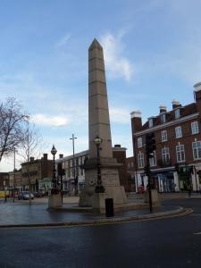 25 december 2013: Engeland, London, Stratford: Obelisk ter nagedachtenis van Samuel Gurney (1786-1856). Bankier Gurney zette zich op tal van manieren in voor de samenleving en mensenrechten (foto: René Hoeflaak)