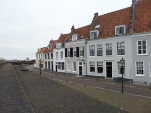 De kade van Alphen aan den Rijn (foto: rené Hoeflaak)