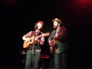Rotterdam. Walhalla Theater: Ry Cavanaugh en Jeffrey Foucault (foto: René Hoeflaak)