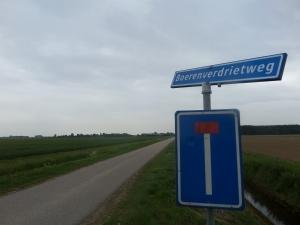 6 mei 2014: Boerenverdrietweg in de polder Boerenverdriet (foto: René Hoeflaak)