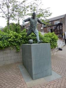 Standbeeld van Wor Jackie Milburn, footballer and gentleman (foto: René Hoeflaak)