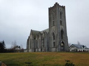 IJsland, Reykjavik: Landakotskirkja, de kerk van bisschop Jo Gijsen (1932-2013)