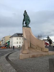 Reykjavik, IJsland: standbeeld Leif Eriksson, Son of Iceland (foto: René Hoeflaak)