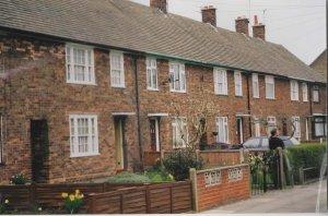 Maart 2002, Liverpool, Forthlin Road 20; ouderlijk huis van Paul McCartney. McCartney woonde hier van zijn 13e tot 21e. (foto: René Hoeflaak) .