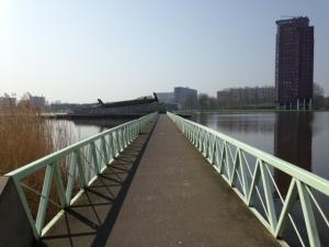 Rotterdam, 9 april 2015; brug naar Vierkant Eiland (foto: René Hoeflaak)