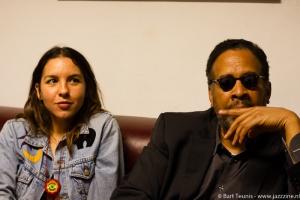 Stanley Clarke en dochter, jazz zangers Natasha Agrama (foto: BartTeunis)