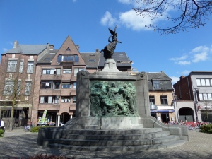 Belgie. Turnhout, 18 april 2015: . Monument van de gesneuvelde soldaten (foto: René Hoeflaak)