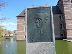 Turnhout, België: Standbeeld Jozef Simons (1888-1948) (foto: René Hoeflaak)