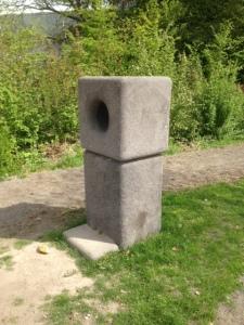 Rotterdam, 1 mei 2015: De zoemsteen in 'Ons Park' (foto: René Hoeflaak)