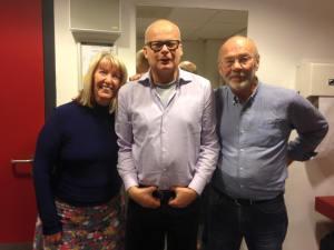 Papendrecht, 30 oktober 2015: Maddy Prior, ik, Rick Kemp van Steeleye Span (foto: René Hoeflaak)