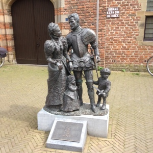 Buren, standbeeld Willem van Oranje en gezin (foto: René Hoeflaak)