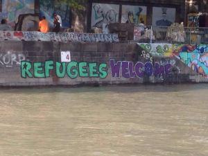 Wenen, 6 augustus 2016: graffiti aan de kade van het Donau Kanaal (foto: rené Hoeflaak)