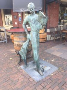 Roermond, 28 augustus 2016: standbeeld Emile Seipgens (foto: René Hoeflaak)