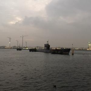 Amsterdam, het IJ, 26 oktober 2016: De Foxtrot duikboot (foto: René Hoeflaak)
