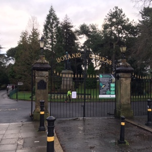 14 januari 2017, Belfast, Noord-Ierland. Ingang Botanic Gardens aan de University Road (foto: René Hoeflaak)